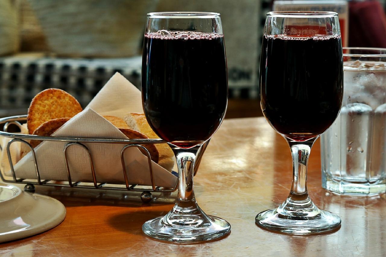 Απόφαση του ΣτΕ για κατάργηση του ΕΦΚ στο κρασί: «ανησυχεί» το κράτος – «πανηγυρίζουν» οι επιχειρήσεις!