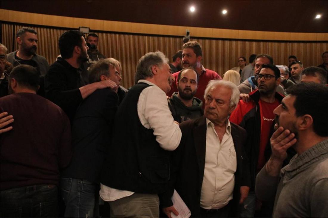 Συμπλοκές συνδικαλιστών μεταξύ ΠΑΜΕ-ΓΣΕΕ στη συνεδρίαση της ολομέλειας