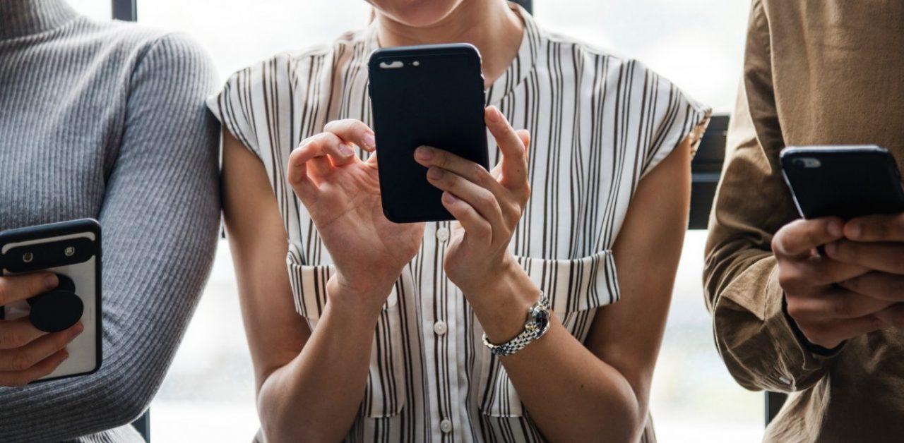 Μείωση σε χρεώσεις κλήσεων κινητού και σταθερού τηλεφώνου εντός ΕΕ από τις 15 Μαΐου