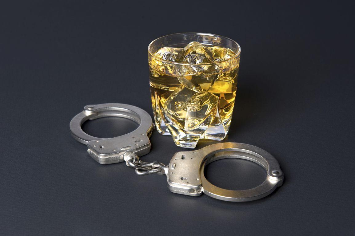 Κατασχέθηκαν 12.881 λίτρα λαθραίου αλκοόλ σε Πανελλήνιους ελέγχους