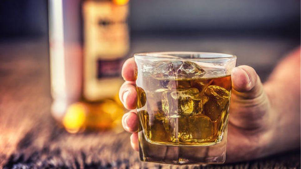 Σοκάρουν οι αποκαλύψεις για τον θάνατο της 14χρονης στη Σαντορίνη από αλκοόλ