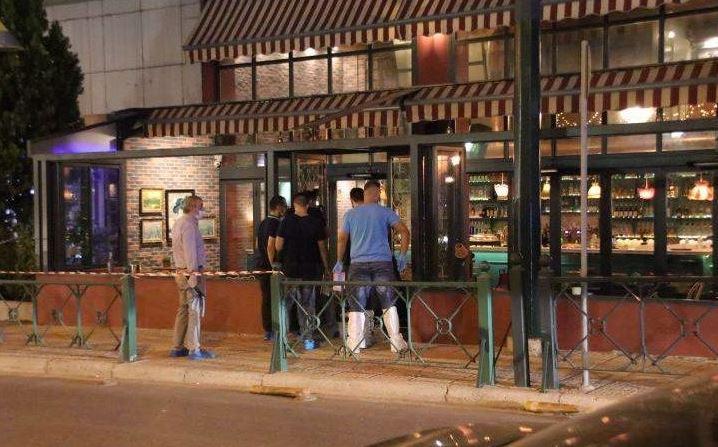 Σοκάρει η μαφιόζικη δολοφονία μπροστά σε κόσμο στο καφέ του ηθοποιού Μάνου Παπαγιάννη στο Περιστέρι
