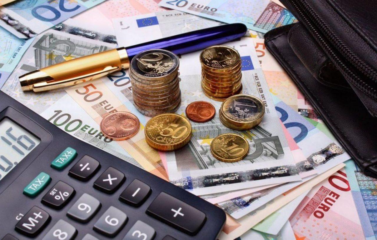 Φοροελαφρύνσεις: μειώσεις φόρων έως 59% για επαγγελματίες από το 2020