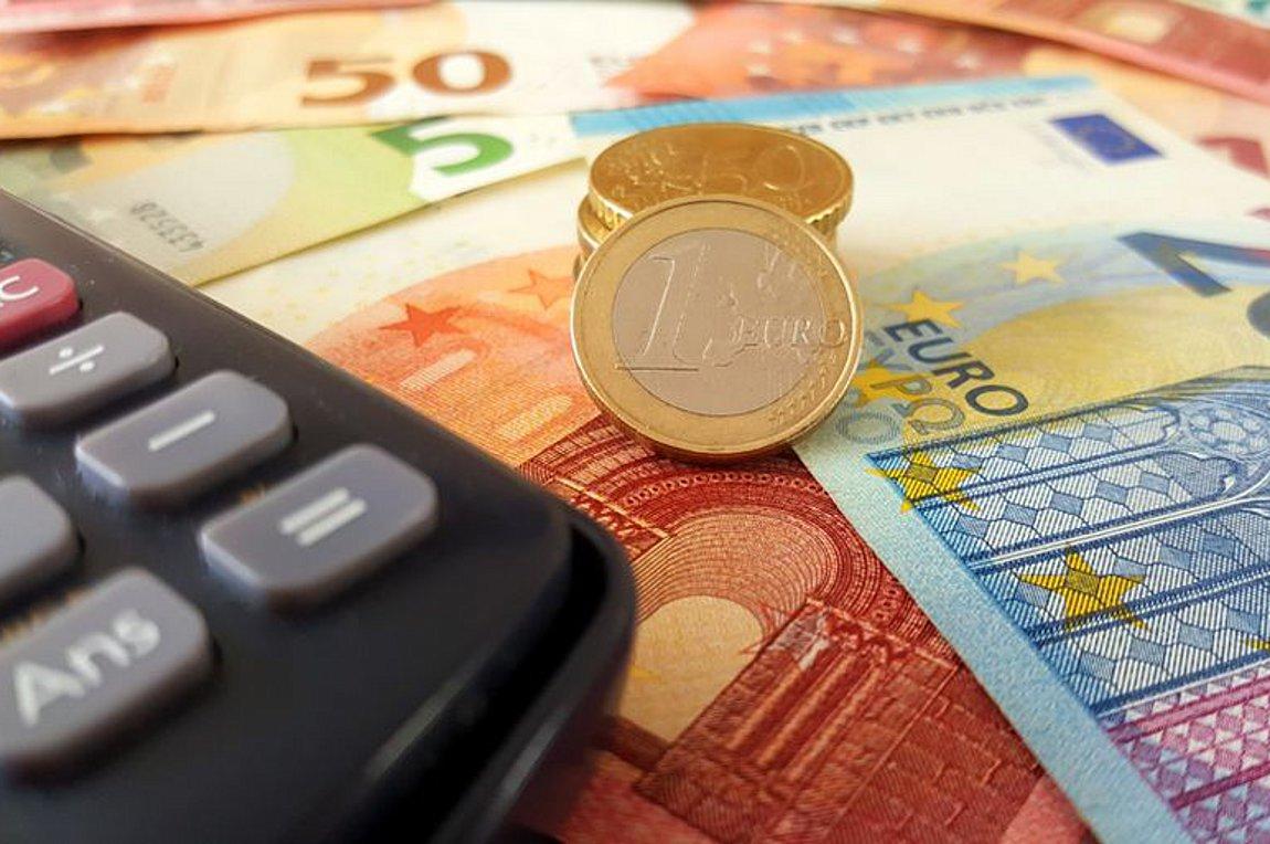Παράταση στις 120 δόσεις - Λήγουν ΕΝΦΙΑ και φόρος εισοδήματος