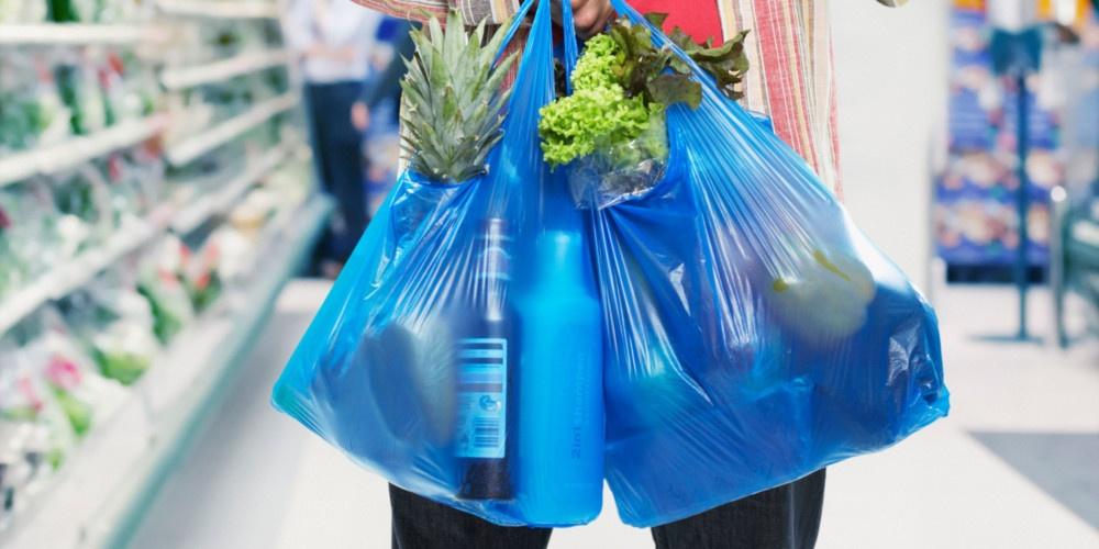 Πλαστικές σακούλες: Επιστροφή του τέλους στους πολίτες μέσω των Δήμων