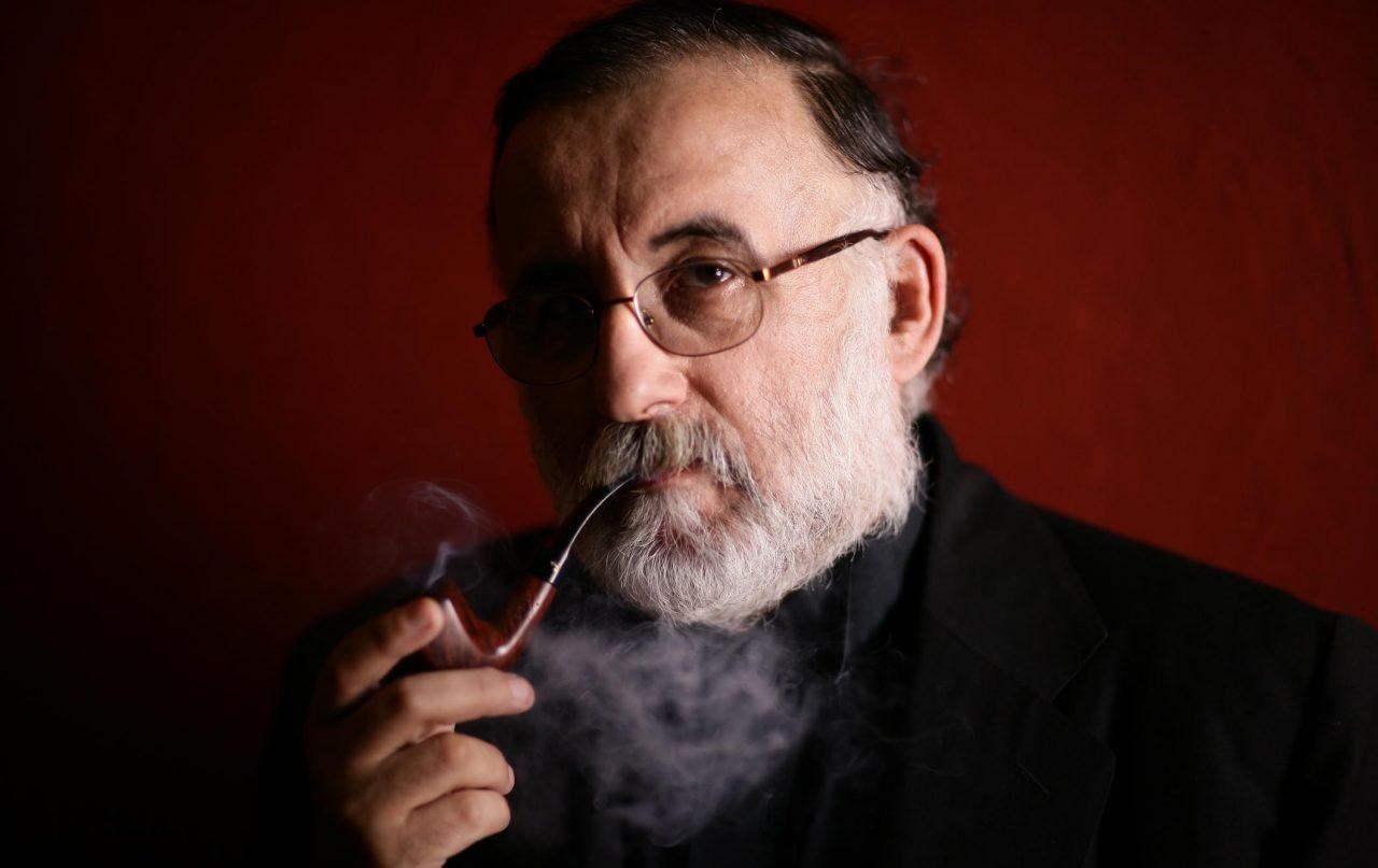 """""""Έφυγε"""" ο Θάνος Μικρούτσικος: το τελευταίο ταξίδι ενός σπουδαίου μουσικού"""