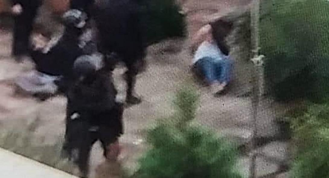 Τραγικό ντοκουμέντο από τη σύλληψη του σκηνοθέτη στο Κουκάκι!