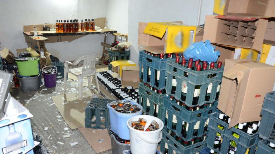 Συνελήφθη κύκλωμα που ετοιμαζόταν να φέρει στην αγορά ποτά - μπόμπες από τη Βουλγαρία