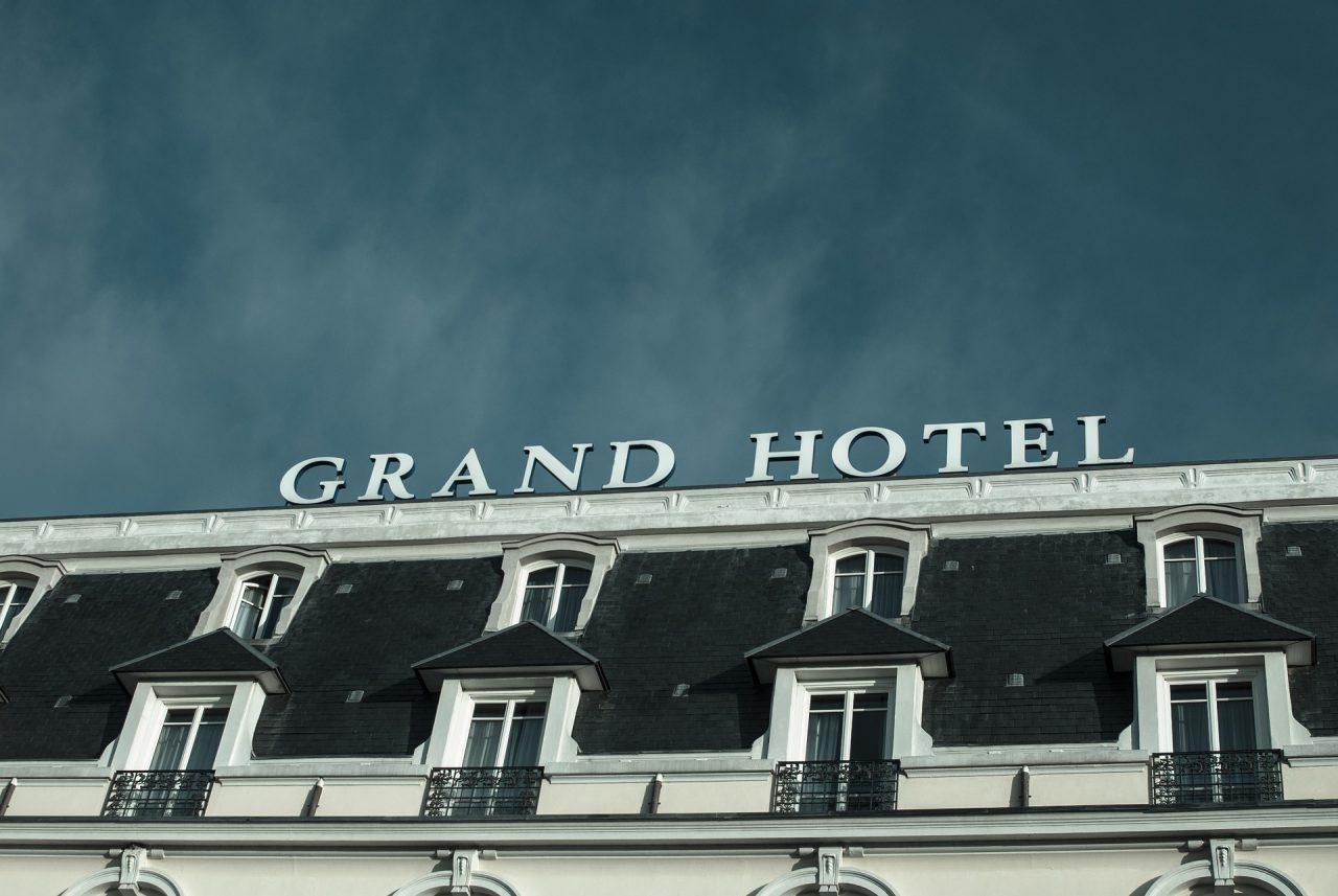 Κλείνουν τα ξενοδοχεία λόγω κορωνοϊού