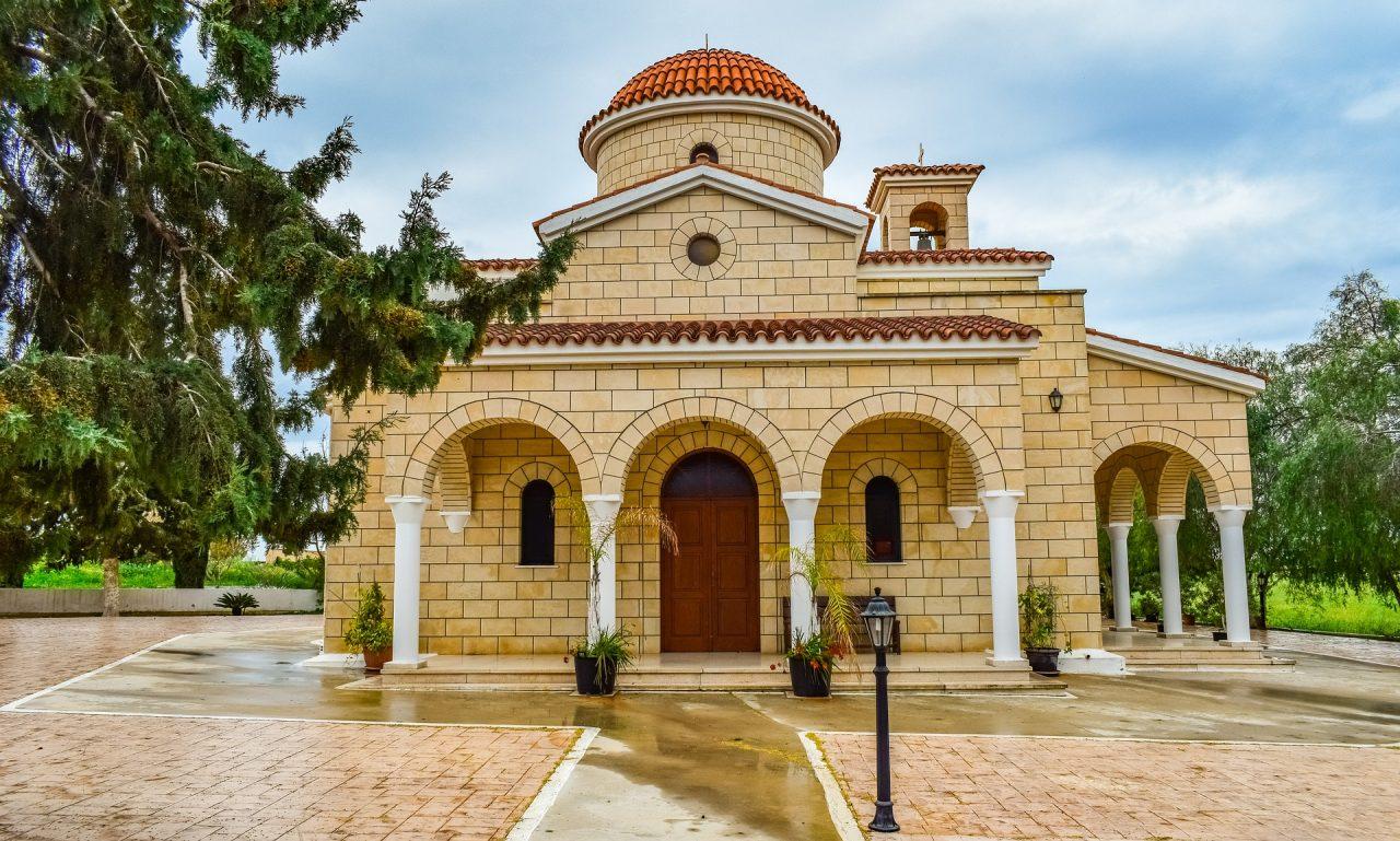 Μέτρα για τον κορωνοϊό: Όλα όσα προβλέπει το ΦΕΚ για τις εκκλησίες