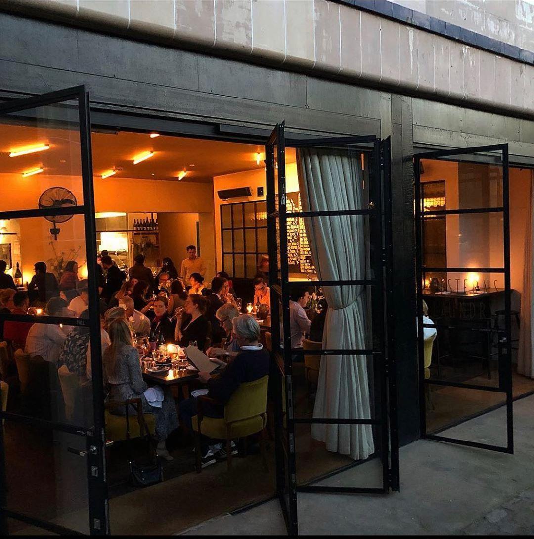 H πόλη δεν είναι ίδια, χωρίς τα μπαρ και τα εστιατόριά της