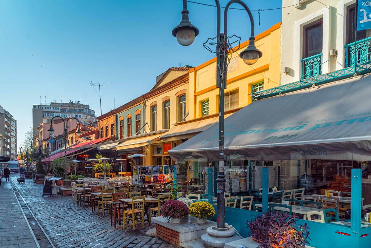 Θεσσαλονίκη: μπαράζ ανακαινίσεων εν όψει επανεκκίνησης της Εστίασης