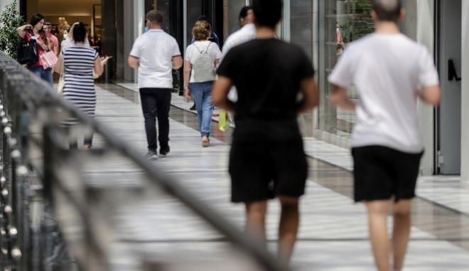 Τα μέτρα στήριξης επιχειρήσεων και εργαζομένων - Πού μειώνεται ο ΦΠΑ