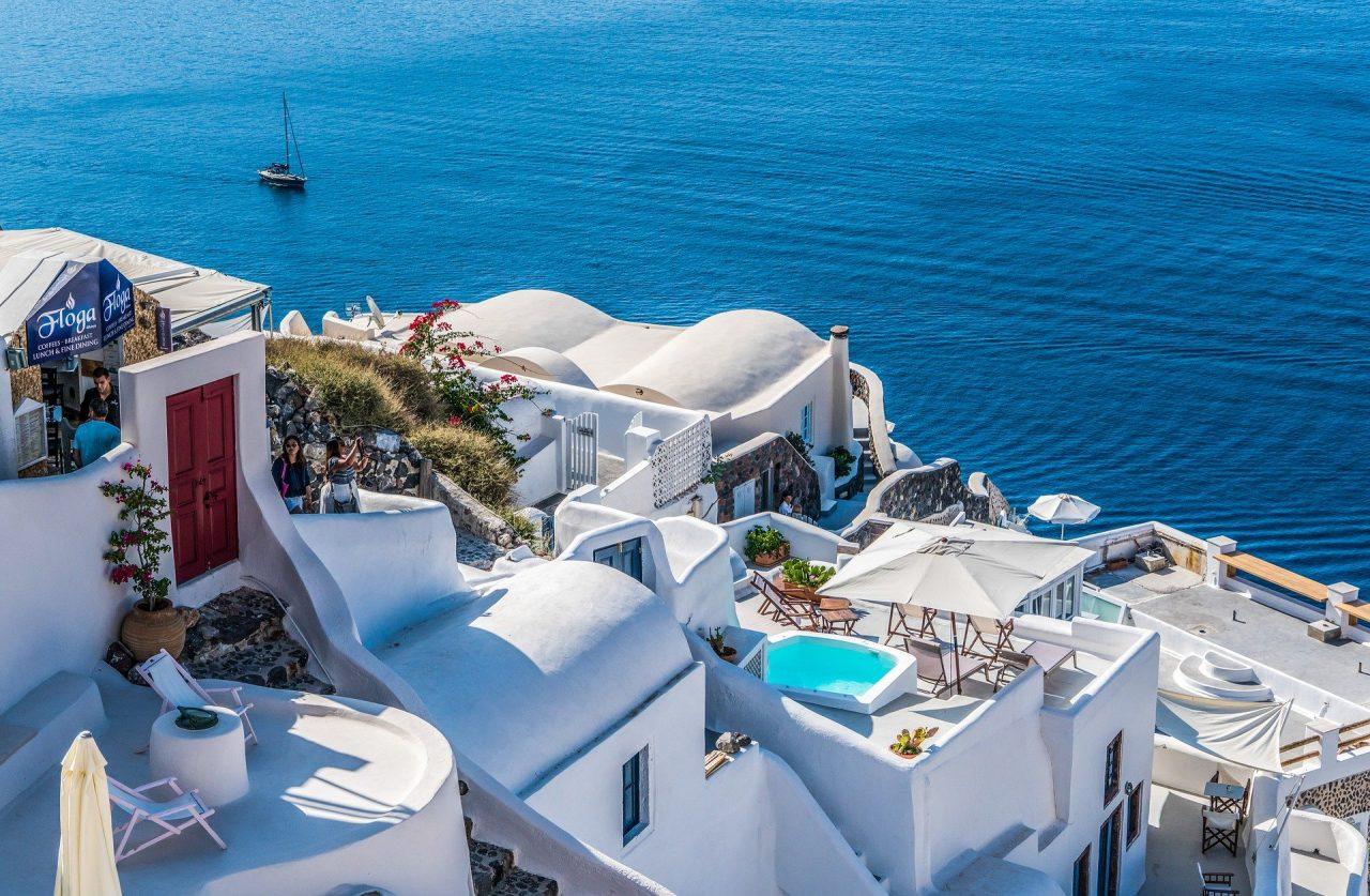 Θεοχάρης: Αυτό είναι το σχέδιο για τη φετινή τουριστική σεζόν