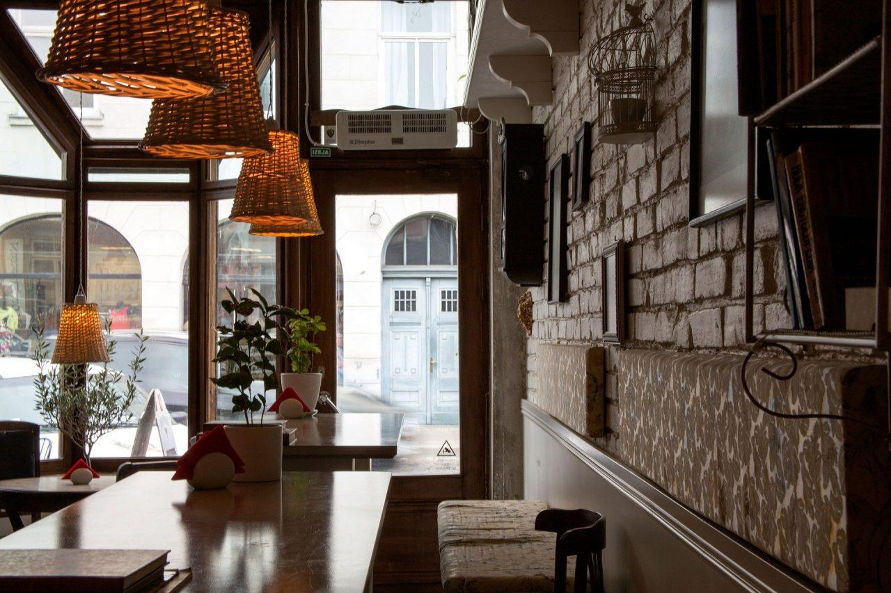 Εστίαση: Πώς θα λειτουργήσουν εστιατόρια και καφετέριες – Όλες οι λεπτομέρειες