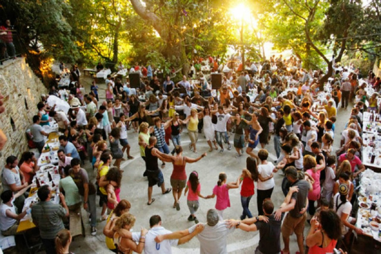 Παπαθανάσης: «Και θα γίνουν και θα χορέψουμε στα πανηγύρια»!