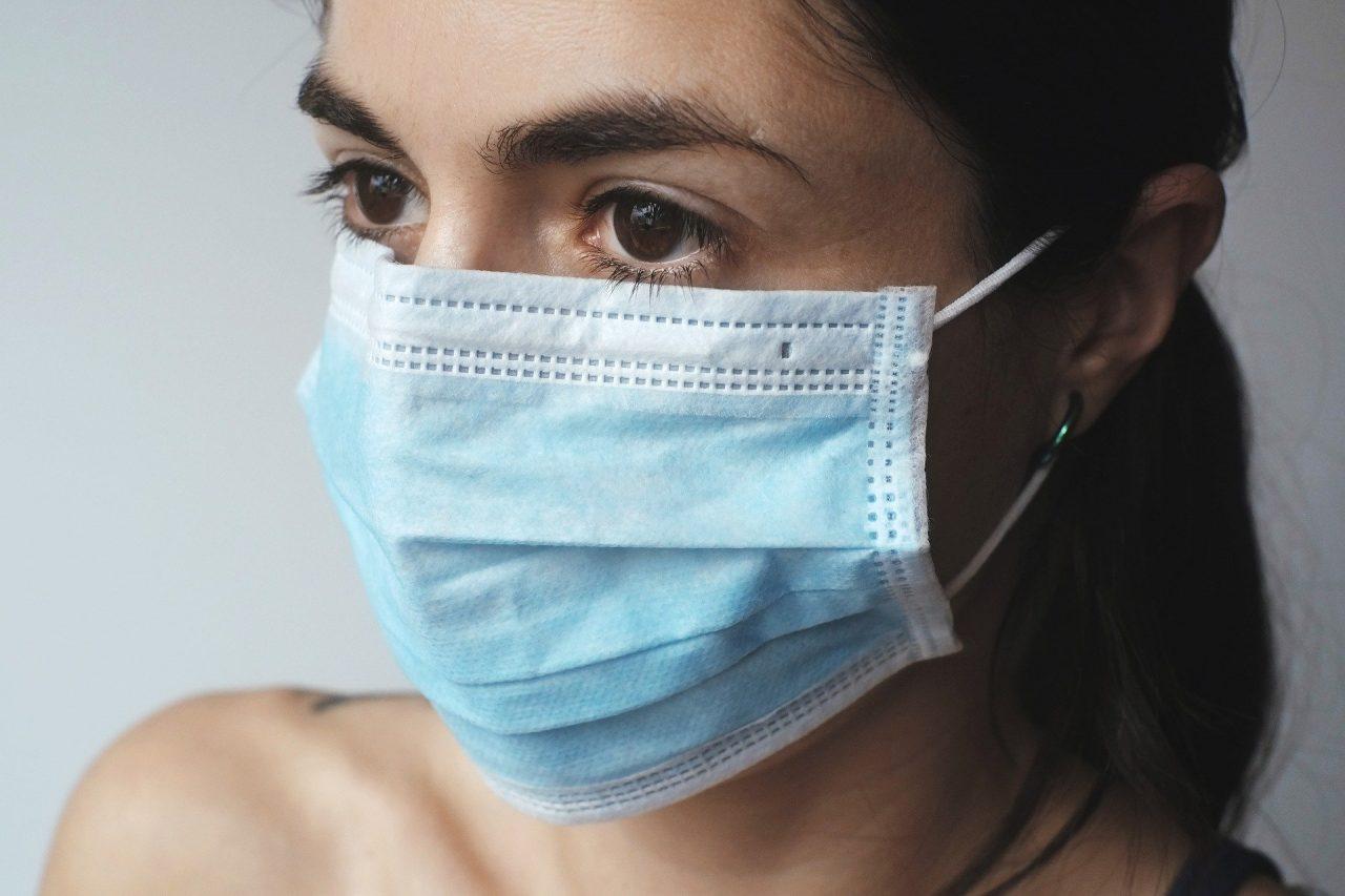 """Θεσσαλονίκη: """"έβρεξε"""" πρόστιμα για μη χρήση μάσκας"""