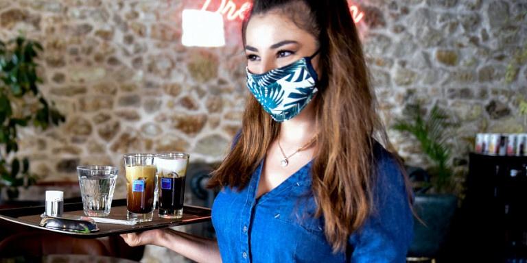 Κορωνοϊός: Η αύξηση των κρουσμάτων φέρνει μέτρα και υποχρεωτική χρήση μάσκας - Σε ποιους χώρους