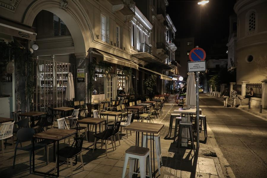 Ερήμωσε η Αθήνα μετά τις 12: Κατέβασαν ρολά τα καταστήματα – Άδειασαν οι δρόμοι