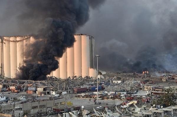 Βηρυτός: 300 χιλ. άστεγοι και τεράστιες ελλείψεις στα αποθέματα σιτηρών μετά την έκρηξη