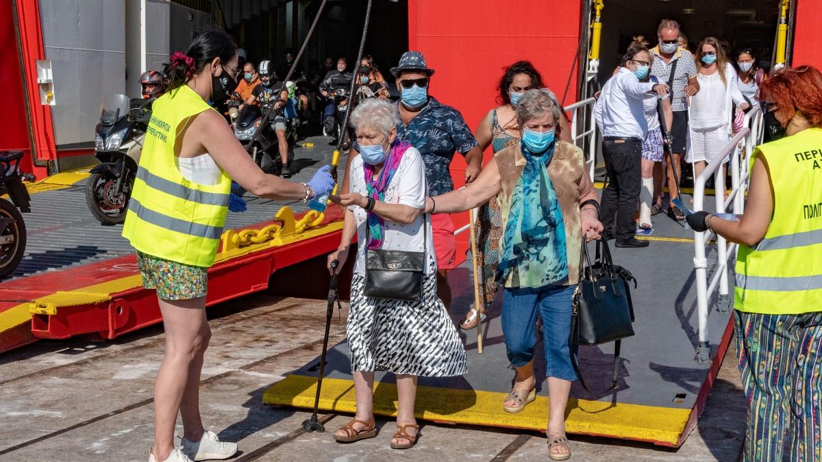Κορωνοϊός: Έκτακτα περιοριστικά μέτρα στην Λέσβο - Τι ισχύει με εστίαση, συναθροίσεις