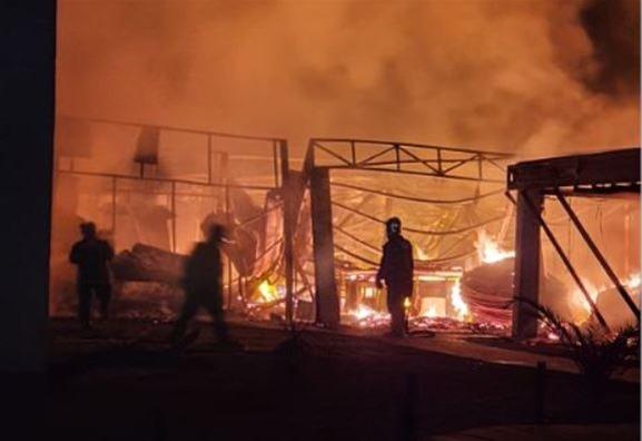Θεσσαλονίκη: κάηκε beach bar στον Ποταμό Επανομής