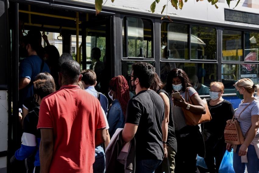 Λινού: Τρία νέα μέτρα για την καταπολέμηση του συνωστισμού σε ΜΜΜ και εστίαση