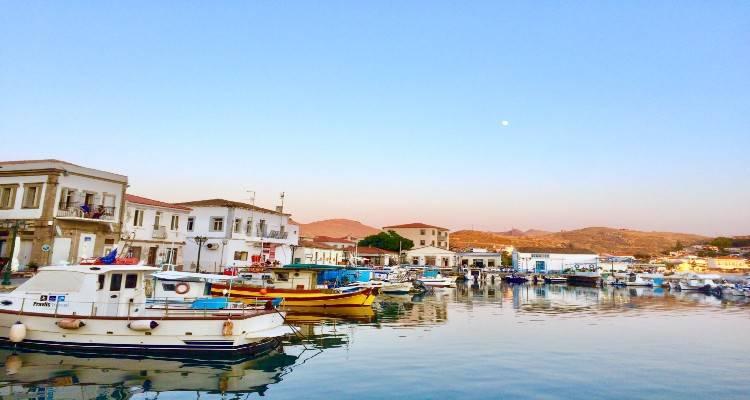 Τον κώδωνα του κινδύνου κρούουν οι Σύλλογοι Εστίασης Βορείου Αιγαίου