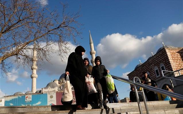 tourkia-agores-oikonomia-konstantinoupoli.jpg