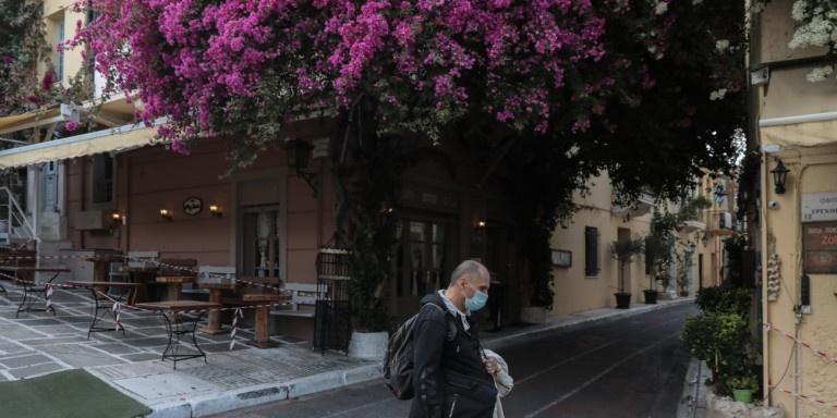 Δερμιτζάκης: Βαρύ για κοινωνία και οικονομία το ενδεχόμενο κυλιόμενων lockdown