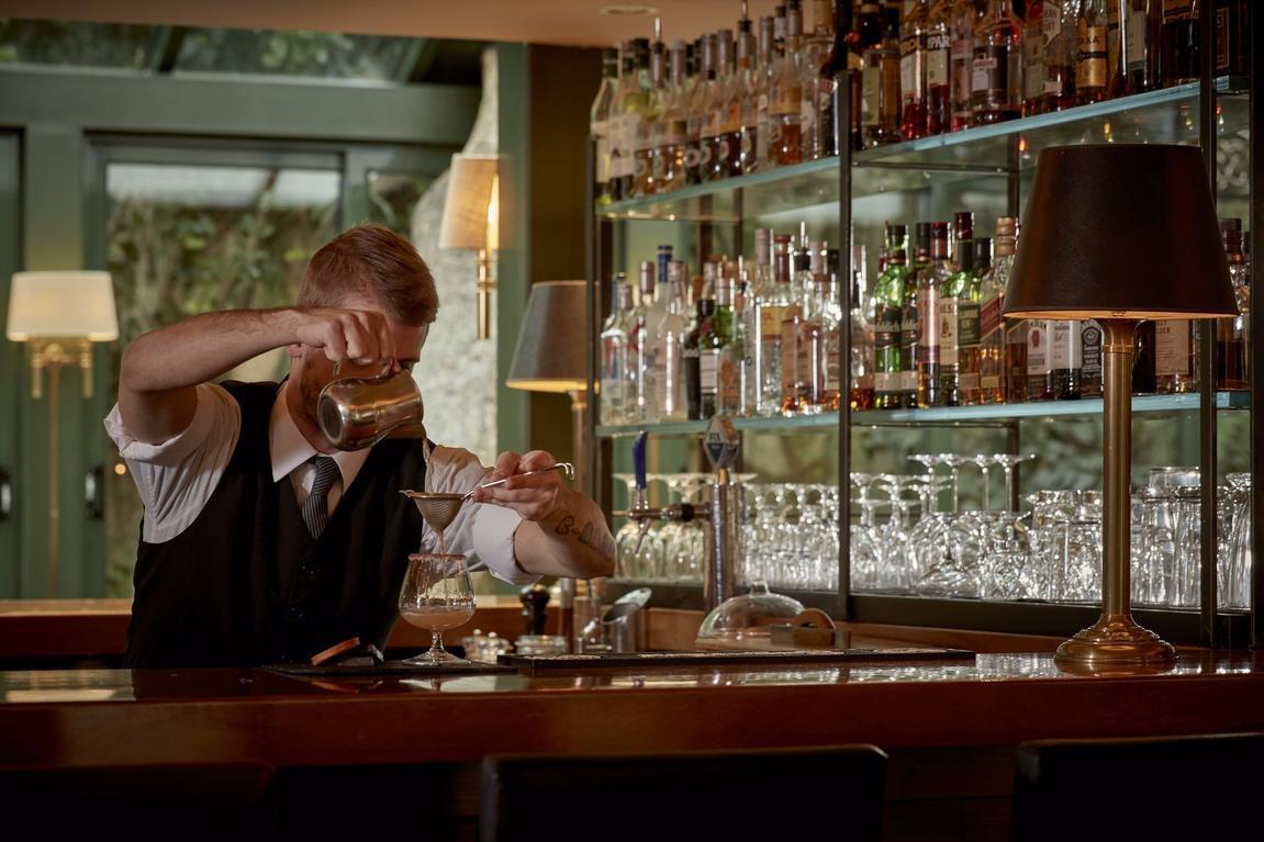 Atrium-Greek-Bistrot_bar_restaurant_Herodion_Hotel_Plaka_Athens.jpeg